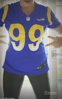 Rebel Wilson flaunts her hour-glass waist as she cheers on football teamLos Angeles Rams