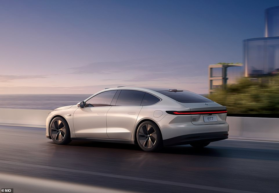 Three variants of the ET7 will be available with varying battery capacities. The smallest pack is a 70kWh battery offering a claimed 310-mile range and the car will cost around £51,000 in China
