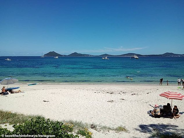 Port Stephens is a popular summer holiday location for Sydneysiders, just 2.5 hours north of the city. The coastal region is favoured because of its beautiful beaches, sand dunes, coastal walks and national parks