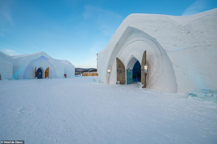 It is estimated thatHôtel de Glace generates more than $10million It is estimated that Hôtel de Glace generates more than $10million -each year for the local, regional and national economy. each year for the local, regional and national economy