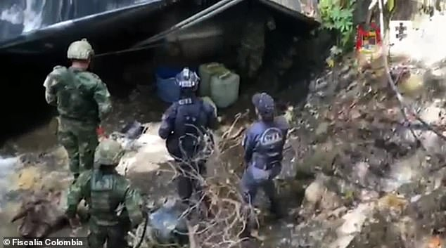 Military soldiers and intelligence agents in Colombia raided on Saturday two secret laboratories located in the jungle in the Pacific state of Nariño, near the border with northern Ecuador, and confiscated 2,800 kilos of cocaine worth $95 million. The compound was set up by the National Liberation Army, the largest left-wing guerrilla group in the country. The drugs were reportedly shipped off to Central America and then handed over to drug traffickers tied to the Sinaloa Cartel, Joaquín 'El Chapo' Guzmán's old cartel