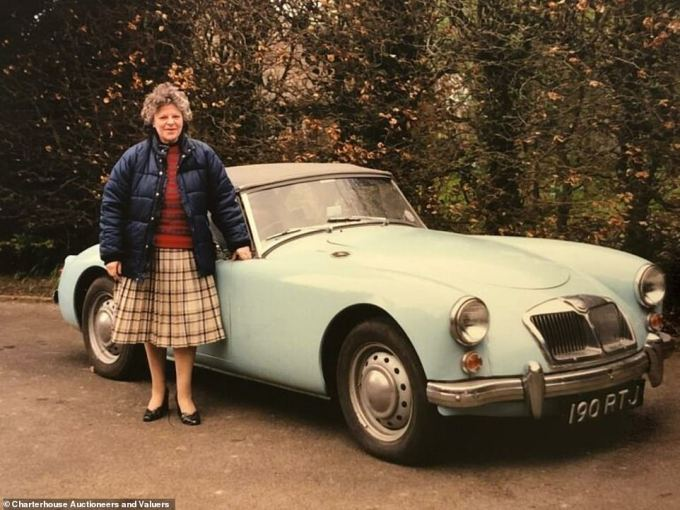 As well as the car, the auctioneers found photographs documenting the history of the classic vehicle, The image here shows the car in a far better condition than it is currently