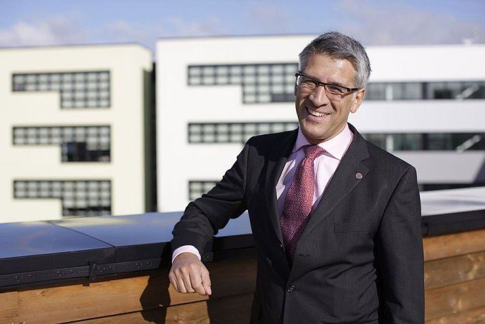 Steve Chalke, the head of the Oasis Academies Trust, described Number 10's plan as 'impossible'