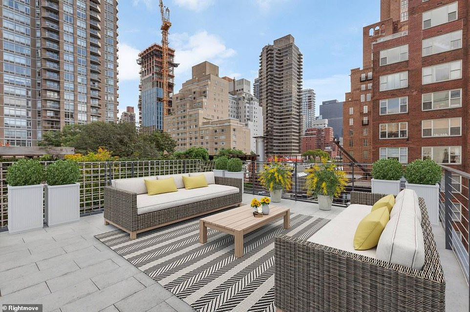 The townhouse also has a private roof terrace with 360-degree views across the stunning New York skyline