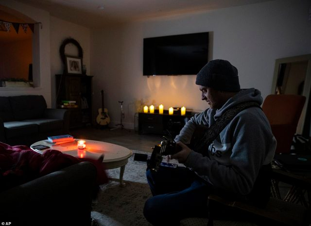 Pflugerville, Texas: Most homes in the area were without power for nearly 24 hours. Atmos Energy and other power companies were performing rotating outages to protect the electric grid