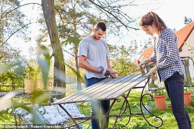 Dedos verdes: uno de cada cinco propietarios de viviendas en el Reino Unido está buscando remodelar su jardín este año