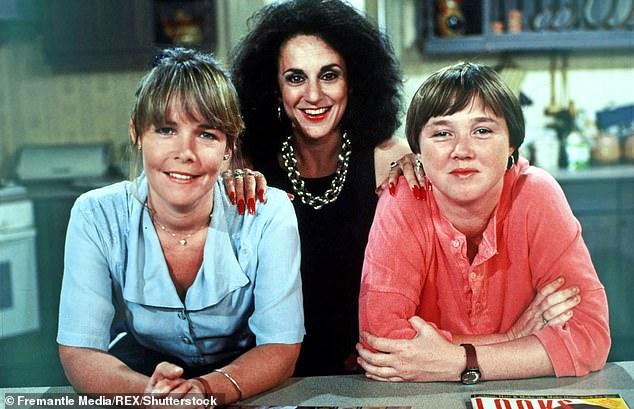 Непоправимый: на выходных The Mail on Sunday сообщила, что между Полиной и Линдой возник, казалось бы, непоправимый разрыв.