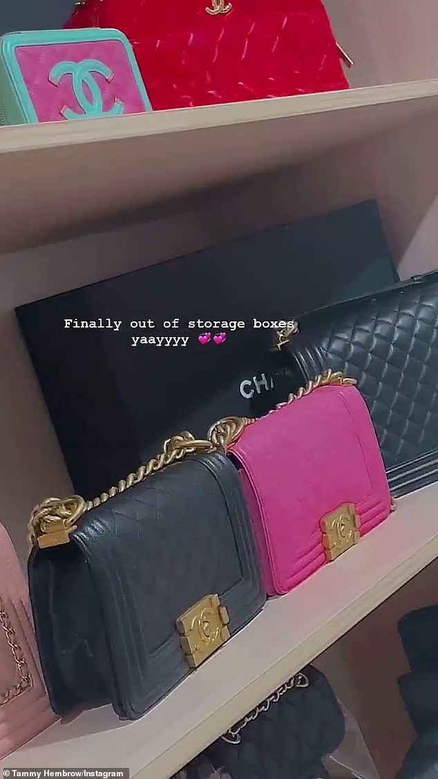If you have it!  A quick scan revealed at least 10 individual Chanel bags, with an average retail price of between $ 4,000 and $ 12,000 each, depending on the design - meaning that at a minimum, Tammy's collection is worth over $ 40,000, and at most, more than 120,000 USD.