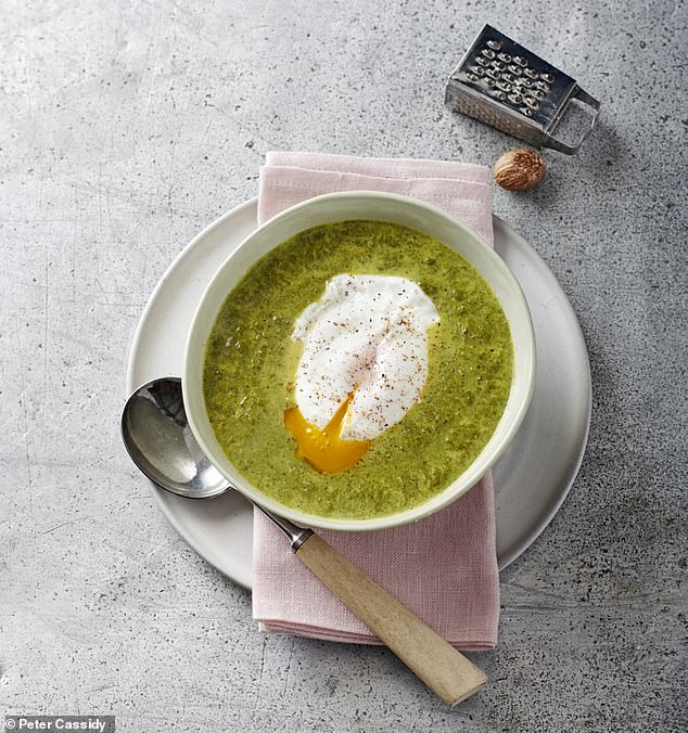 Spinach & nutmeg soup topped with poached egg