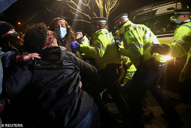 Police were seen clashing with demonstrators inClapham Common during theSarah Everard vigil
