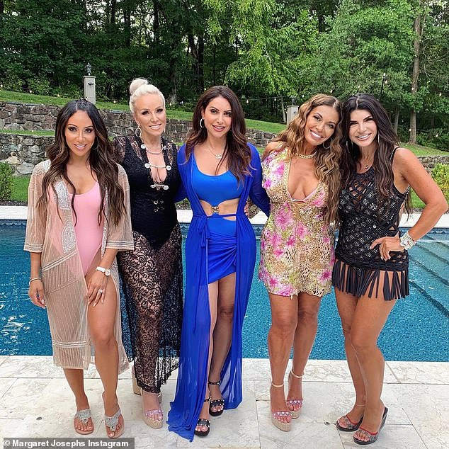 The gang\'s all here!\u00A0The episode titled Kiss My Peach also featured the pool party hosted by Teresa Giudice, 48, to celebrate her brother\'s 46th birthday