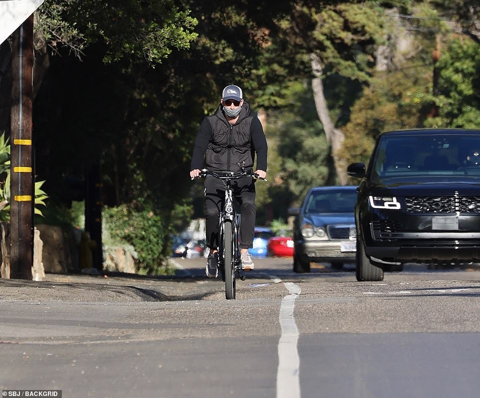 Harry looked sporty in his u00A362 Adidas sweatpants and New Balance trainers as he took some exercise in LA