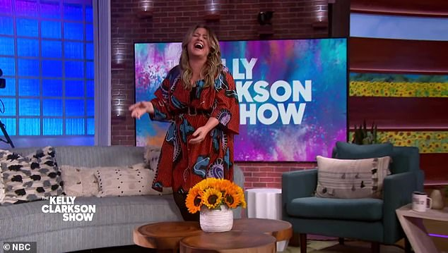 """Clarkson gasped:'I'm done! I need to see the tape back, because I felt like I was like, """"Oh, wait what?""""That was amazing! God, you win for favorite guest this season. No, that was amazing I needed that in my soul'"""