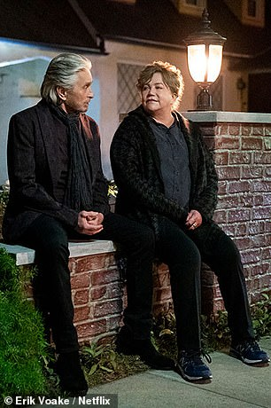 First look:In the first picture of Sandy Kominsky (Douglas) and Roz (Turner) together, they can be seen sitting together and look in deep conversation