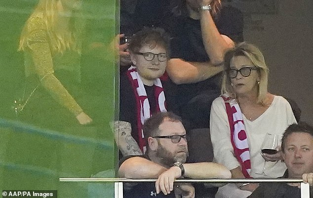 Chats:Sue, dressed in a beige blouse and her Mushroom Records scarf, chatted with Ed throughout the game