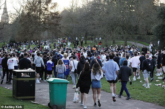 Britons were seen gathering in large numbersat the Arboretum in Nottingham city centre on Monday amid decent weather