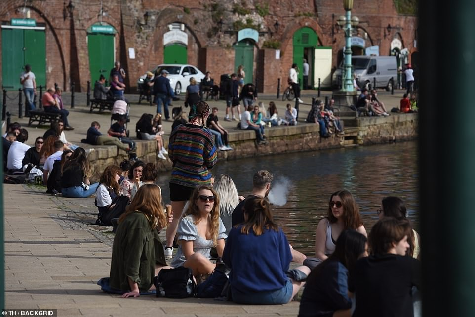 Hundreds of people flock to the Historic Exeter quayside today as Devon enjoys warm weather