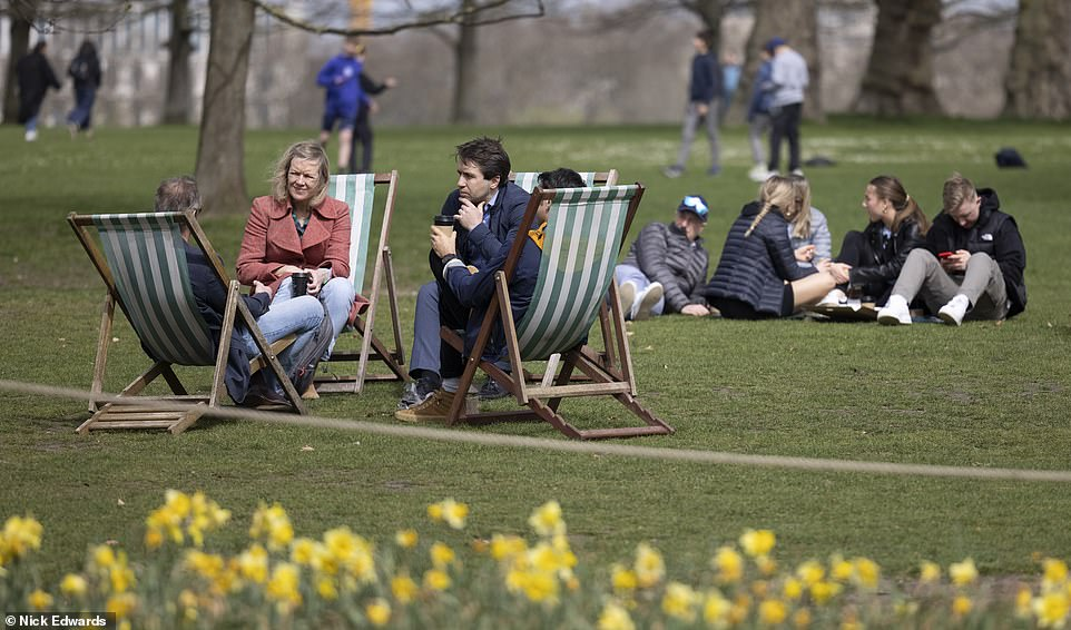 While some groups decided to sit on the grass, others sat in deck chairs, desperate to take advantage of London's mini-heatwave before the weather turns colder this weekend