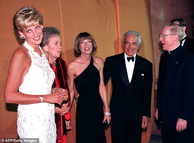 [L-R] Princess Diana of Wales, Wahsington Post owner Katheryn Graham, Wintour, designer Ralph Lauren, and Georgetown University President Leo J. O'Donovan attend a multi-million dollar fundraising event for the Nina Hyde Center for Breast Cancer Research