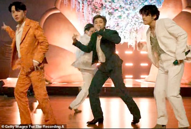 Sensation: HYBE Announced Its $ 1.05 Billion Deal To Buy The Scooter Firm On Friday;  Pictured are the K-pop BTS wunderkinds whom HYBE represents
