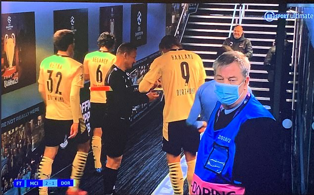 Assistant referee Octavian Sovre asked for Erling Haaland's autograph in the tunnel at Etihad