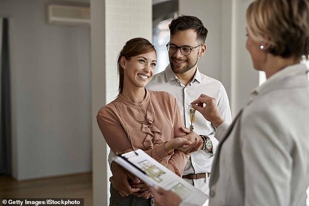 Los profesionales de la propiedad informaron que los precios de la vivienda estaban aumentando, y el 59% dijo que había visto un aumento desde que se publicó la encuesta de febrero.