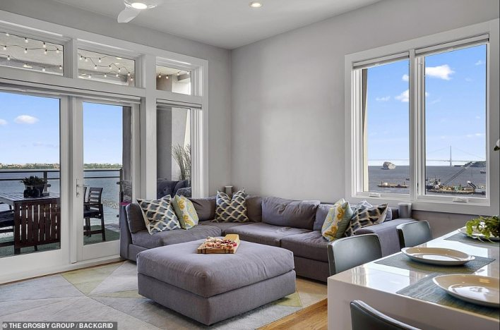 The panoramic views of Manhattan's skyline elicited one user to joke that it's large windows would offer 'waterfront views of the bodies floating by'