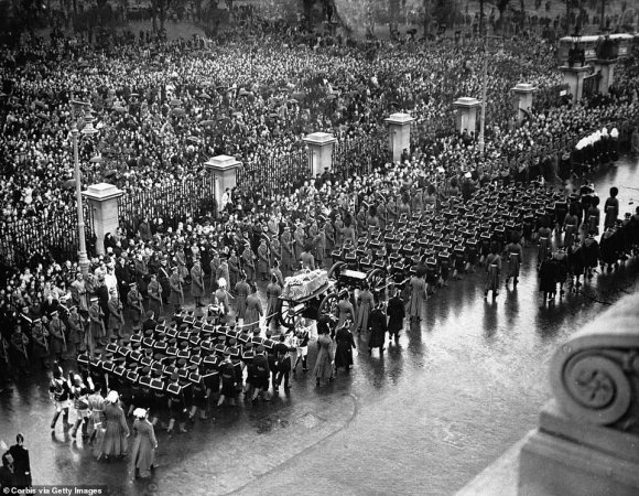 The funeral procession of King George V through London in 1936