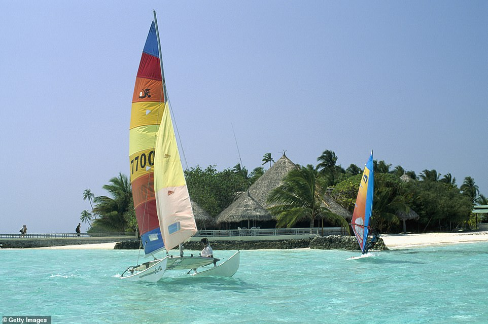 There is no tourist information onMakunudhoo - the locals told Tom all he needed to know