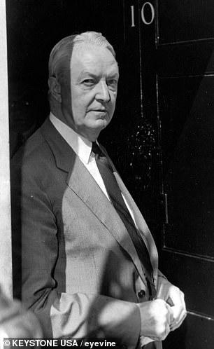 David KE Bruce, Annenberg's predecessor, sent to London by John F. Kennedy in 1961