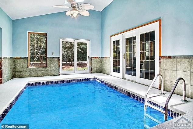 La résidence Conyers de Cullors serait livrée avec sa propre piscine et son hangar pour avions