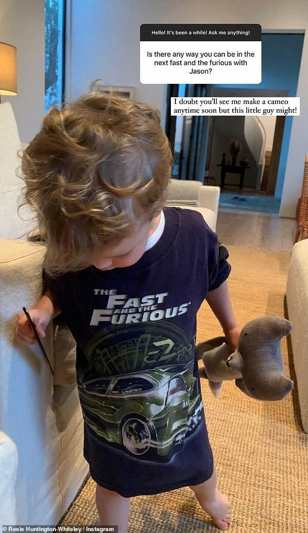 Próxima generación: la modelo bromeó diciendo que, aunque no tiene planes de aparecer en ninguna de las películas de Statham, su 'pequeño chico podría'