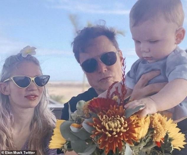 Familia: Grimes y Musk, que comenzaron a salir en 2018, comparten un hijo, el inusualmente llamado X Æ A-Xii.  El bebé cumplirá uno el 4 de mayo