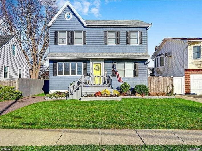 LINDENHURST, LONG ISLAND: This home in Lido Parkway sold $16,000 higher than asking price for $515,000