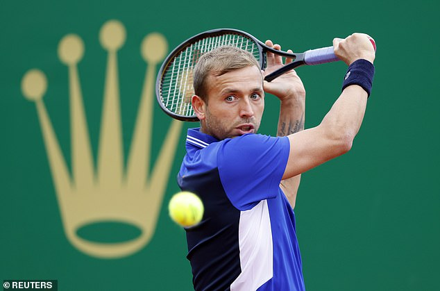 Evans qualifies for the quarter-finals of a Masters tournament for the first time after the stunning victory