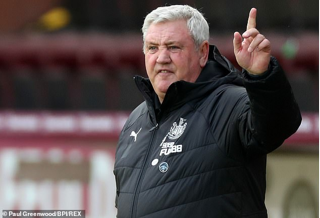 Steve Bruce has saluted David Moyes for bouncing back from Manchester United misery