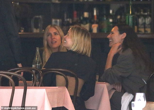 Celebrity Alert!  Lara had a bite to eat with some of her best friends