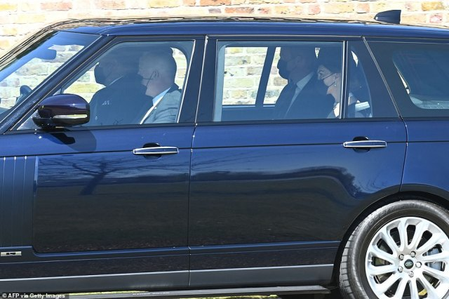 Prince William, Duke of Cambridge and Britain's Catherine, Duchess of Cambridge arrive for the funeral service