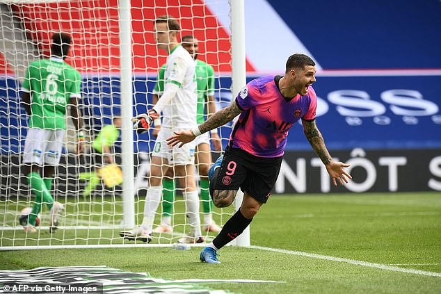 Mauro Icardi scored a last-gasp winner to give PSG a crucial 3-2 win over Saint-Etienne