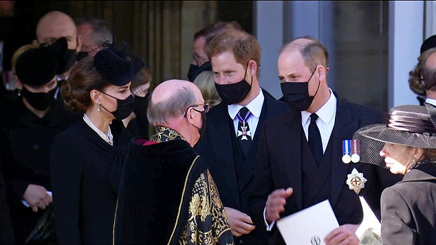 Service over: Kate Middleton, Prince Harry, Prince William thank the Dean of Windsor