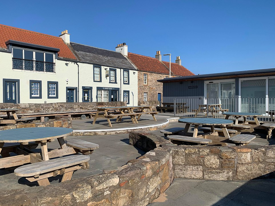 The Ship Inn describes itself as having 'one of Scotland's most beautiful settings for a casual drink with friends'