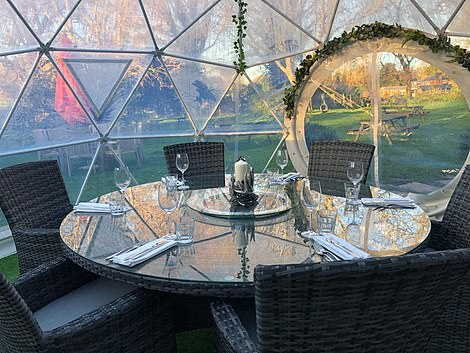ThePurefoy Pod - the pub's heated dining pod that can seat up to six people