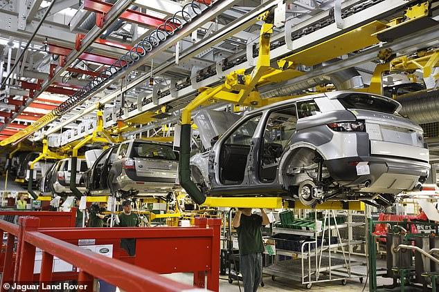 Jaguar Land Rover suspendió esta semana la producción en sus fábricas de Castle Bromwich y Halewood debido a la interrupción de la cadena de suministro de chips.