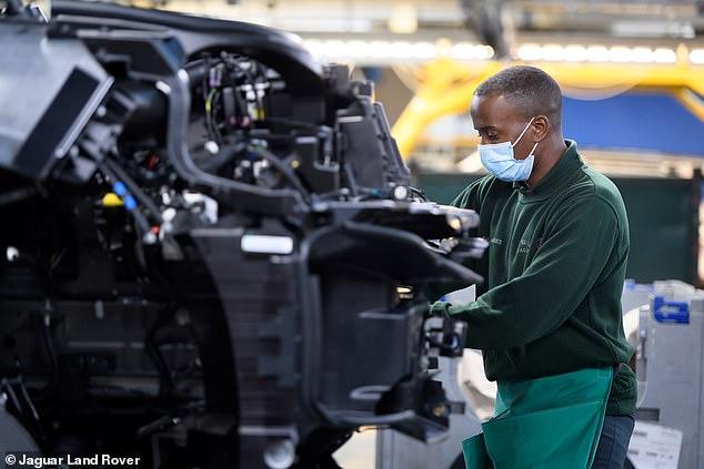 La fabricación de automóviles está aumentando: la producción aumentó un 46,6% en marzo, según han confirmado las cifras oficiales esta mañana.  Es el primer aumento en la producción en 18 meses.