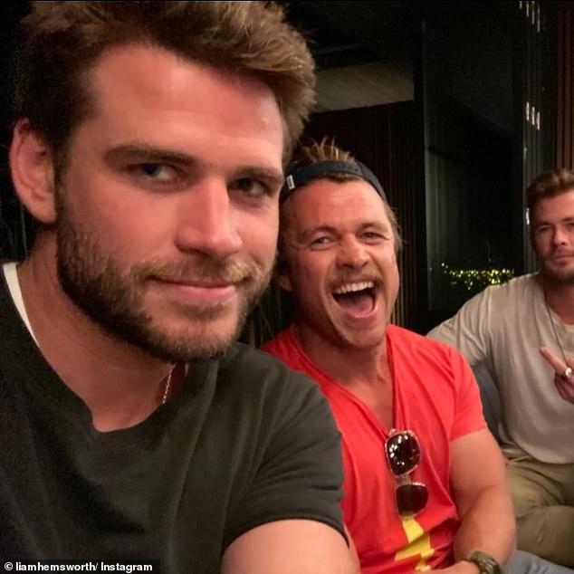 Dinastía: Luke es el mayor de los hermanos Hemsworth.  Sus hermanos menores son Chris (derecha), conocido por interpretar a Thor en la franquicia Marvel, y Liam (izquierda), de las películas de Los juegos del hambre.