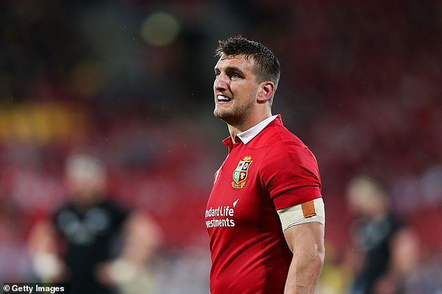 Sam Warburton had the experience of knowing how to manage a referee on the Lions tour