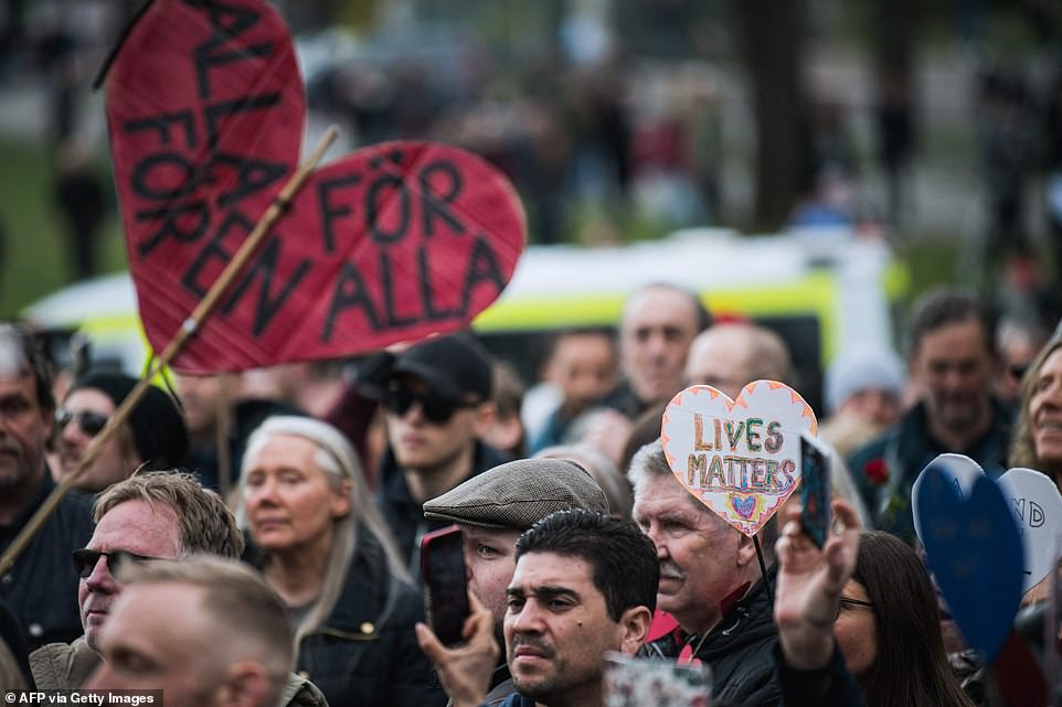 STOCKHOLM, SWEDEN: A large crowd of protestors gathered in the Swedish capital earlier today to demonstrate against the national Covid-19 rules