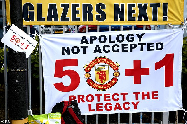 Fans told the glazer family their apology over joining the Super League wasn't accepted