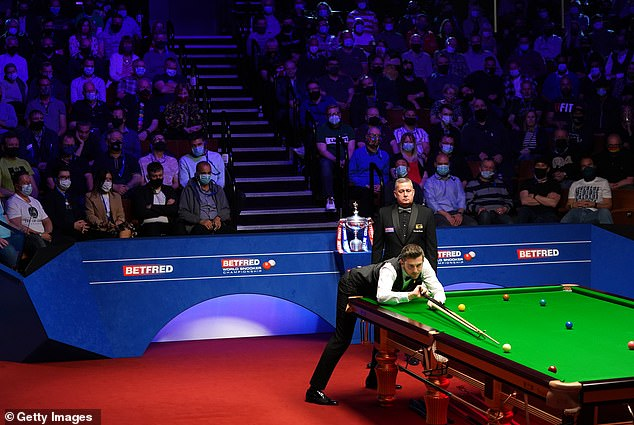 A few hundred people packed into the Crucible Theatre inSheffield for theWorld Snooker Championship