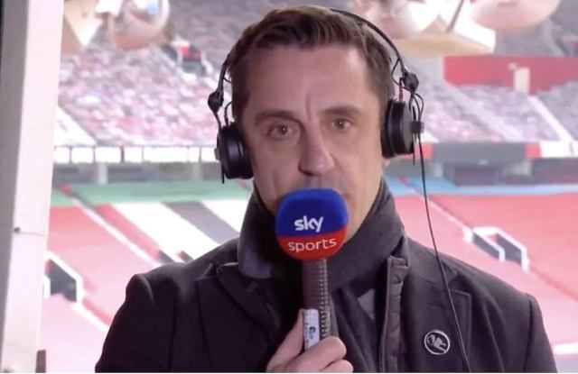 Gary Neville has backed Manchester United fans after their dramatic protest at Old Trafford and has called for reform